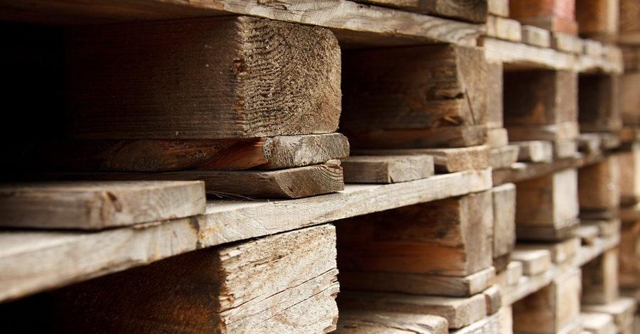 Pomysłowe łóżko Z Palet Drewnianych W Twojej Sypialni Budnews